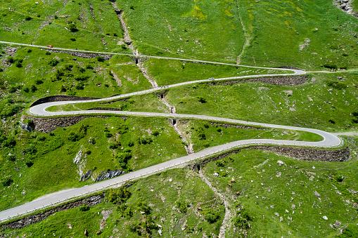 Hairpin Curve「Switzerland, Canton of Glarus, Glarus Alps, Linthal, Klausen Pass」:スマホ壁紙(4)