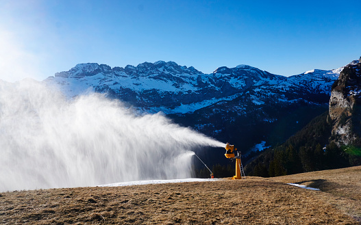 Ski Resort「Switzerland, Portes du Soleil, Champery, active snow cannon」:スマホ壁紙(5)