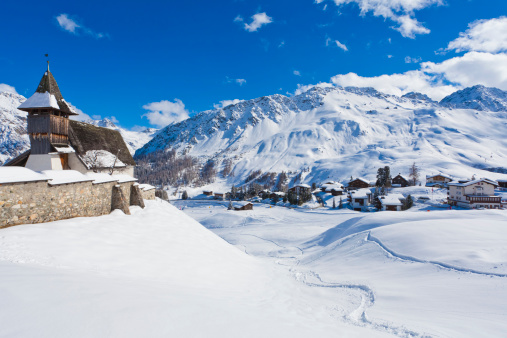 Arosa「Switzerland, View of Bergkirchli church」:スマホ壁紙(13)