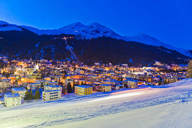 Switzerland, Davos, view of city:スマホ壁紙(壁紙.com)