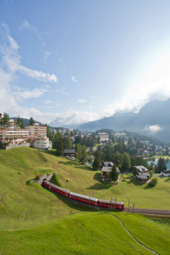 Arosa「Switzerland, Grisons, Railroad, Arosa in background」:スマホ壁紙(18)