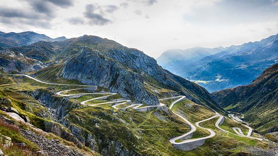 Hairpin Curve「Switzerland, Tessin, Valle Laventina, Gotthard Pass」:スマホ壁紙(4)