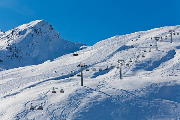 Switzerland,Carmenna, view of ski chair lift:スマホ壁紙(壁紙.com)