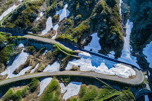 Hairpin Curve「Switzerland, Canton of Uri, Aerial view of Susten Pass」:スマホ壁紙(17)