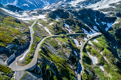 Hairpin Curve「Switzerland, Canton of Uri, Aerial view of Susten Pass」:スマホ壁紙(14)