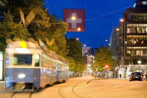 Cable Car「Switzerland, Zurich, Tram on Bahnhofstrasse」:スマホ壁紙(9)