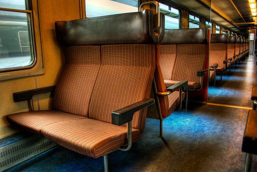 鉄道・列車「Switzerland, Seats in empty train」:スマホ壁紙(16)