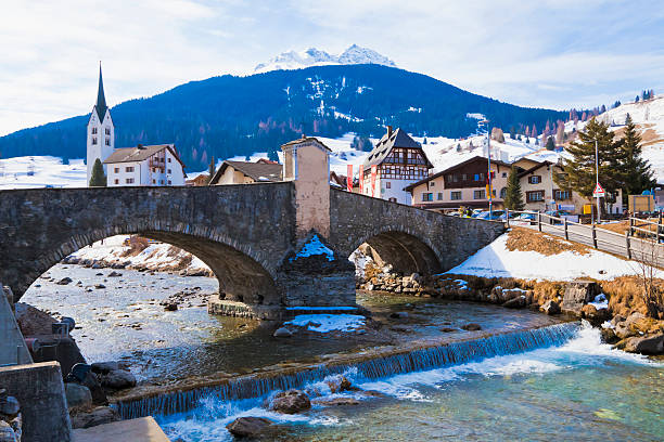 Switzerland, Savognin, view of stone bridge over River Julia:スマホ壁紙(壁紙.com)