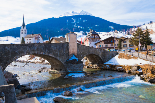 Graubunden Canton「Switzerland, Savognin, view of stone bridge over River Julia」:スマホ壁紙(8)