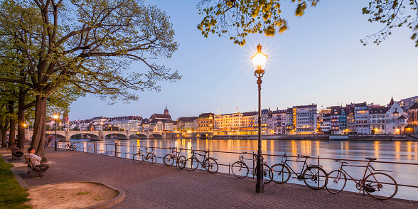 Balustrade「Switzerland, Basel, city view and Rhine at dusk」:スマホ壁紙(12)