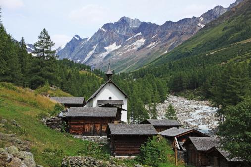 Chalet「Switzerland, Lötschen Valley」:スマホ壁紙(1)
