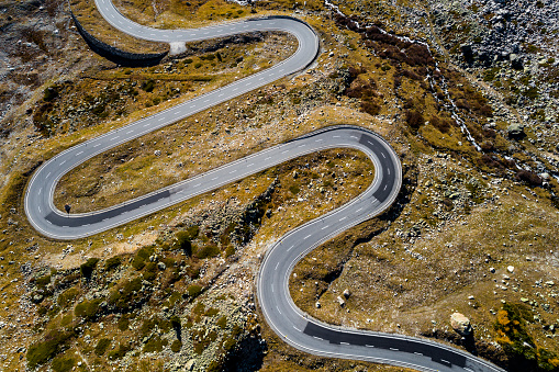 Winding Road「Switzerland, Grisons, Swiss Alps, Julier pass, aerial view」:スマホ壁紙(3)