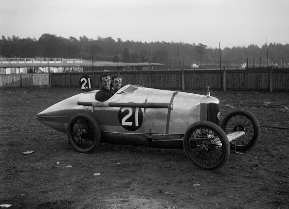 Racecar「BA Davey in his AC at the JCC 200 Mile Race, Brooklands, Surrey, 1921」:写真・画像(19)[壁紙.com]