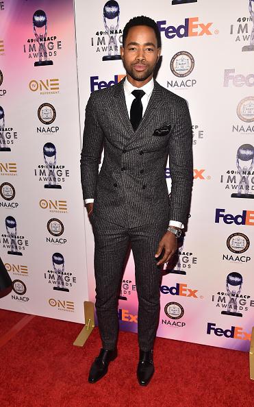 下襟「49th NAACP Image Awards - Non-Televised Awards Dinner and Ceremony」:写真・画像(12)[壁紙.com]