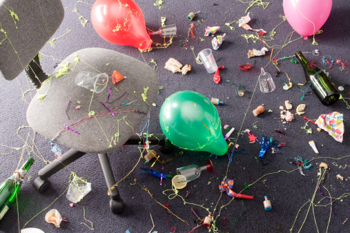 The Morning After「office party detritus」:スマホ壁紙(17)