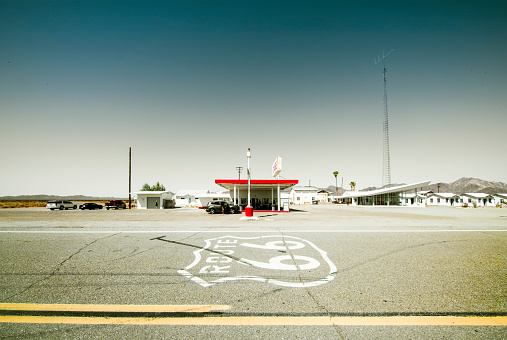 Road Marking「Route 66 Road and cafe」:スマホ壁紙(17)