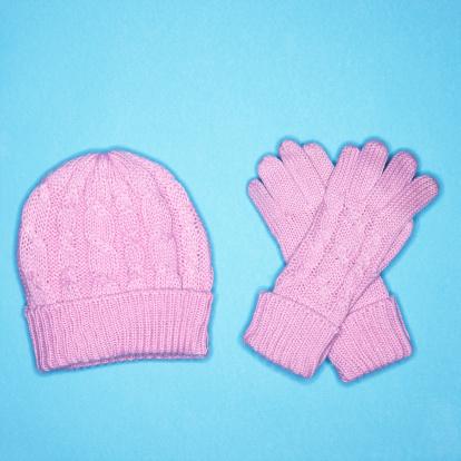 縁なし帽子「Winter hat and gloves」:スマホ壁紙(19)