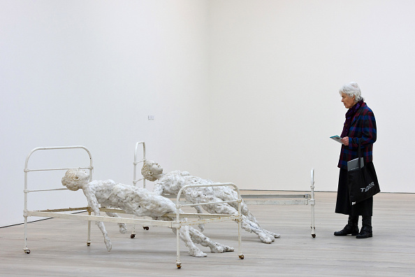 Human Interest「Saatchi Gallery launch Its First All-Woman Exhibition Champagne Life」:写真・画像(11)[壁紙.com]