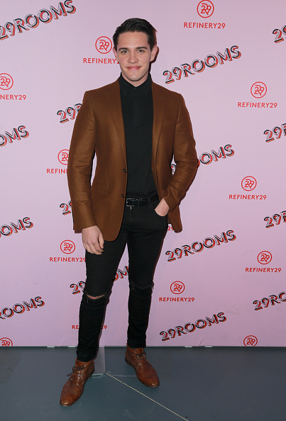 Casey Cott「Refinery29 29Rooms Los Angeles: Turn It Into Art - Arrivals」:写真・画像(12)[壁紙.com]