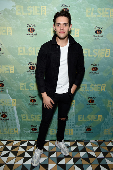 Casey Cott「4th Annual Elsie Fest, Broadway's Outdoor Music Festival」:写真・画像(6)[壁紙.com]