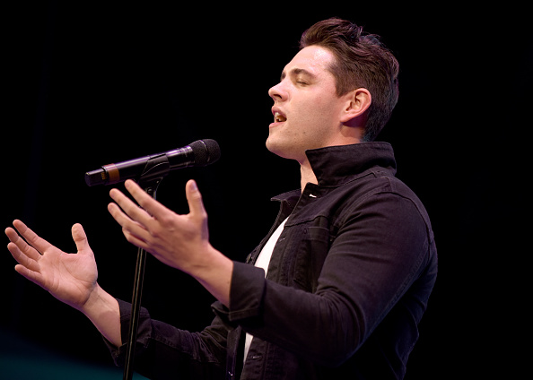 Casey Cott「4th Annual Elsie Fest, Broadway's Outdoor Music Festival」:写真・画像(1)[壁紙.com]