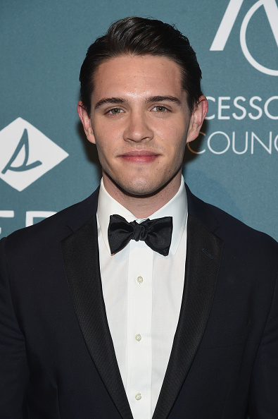 Casey Cott「Accessories Council Celebrates The 22nd Annual ACE Awards - Arrivals」:写真・画像(4)[壁紙.com]