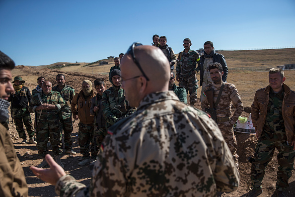 Workshop「Coalition Forces Train Kurdish Peshmerga Troops To Fight Against ISIL」:写真・画像(13)[壁紙.com]