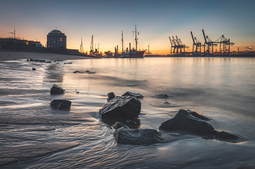 Moored「View of harbor against sky during sunset at Hamburg, Germany」:スマホ壁紙(12)