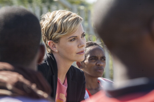 Women's Soccer「Charlize Theron Global Fund Visit」:写真・画像(14)[壁紙.com]