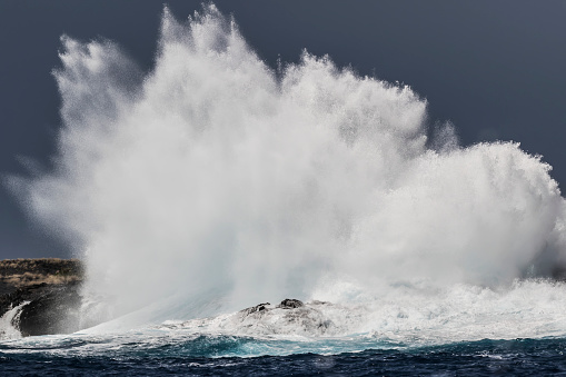 Pacific Ocean「Swell induced wave crashing on the Kona coast」:スマホ壁紙(16)