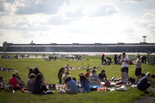 People「Referendum To Determine Tempelhof Park Future」:写真・画像(16)[壁紙.com]