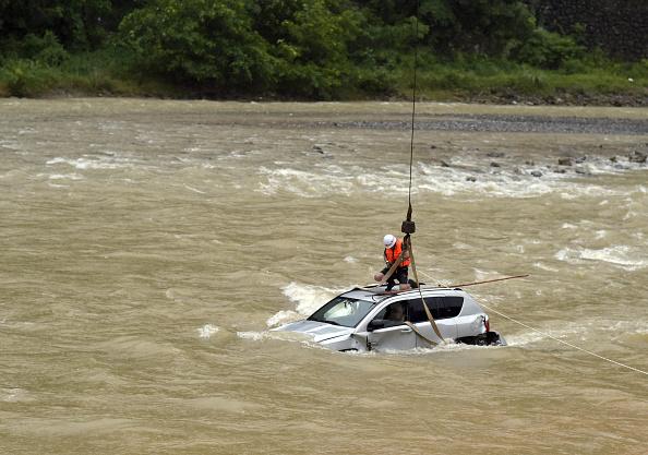 Water「Rainfall Brings Flood In Chongqing」:写真・画像(0)[壁紙.com]