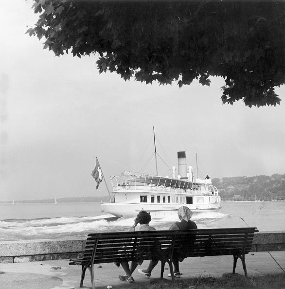 Derek Berwin「Steamer On Lake」:写真・画像(2)[壁紙.com]