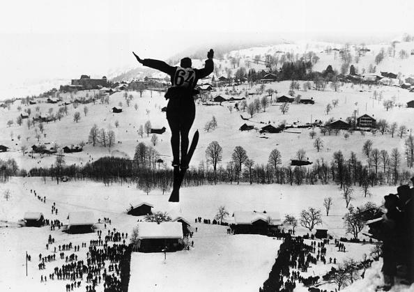 Skiing「Ski Jumping」:写真・画像(19)[壁紙.com]