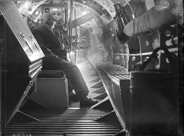Confined Space「Supermarine Pilot」:写真・画像(8)[壁紙.com]