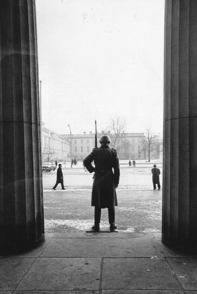 Protection「Berlin Monument」:写真・画像(0)[壁紙.com]