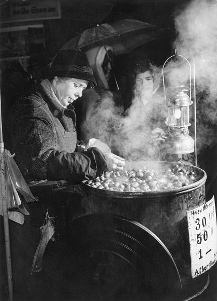 Nut - Food「Roasting Chestnuts」:写真・画像(14)[壁紙.com]