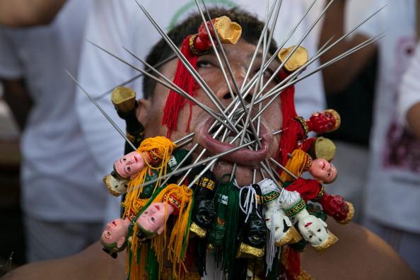 お祭り「Phuket Vegetarian Festival」:写真・画像(18)[壁紙.com]