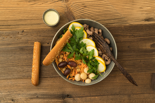 Breadstick「Vegetarian and vegan salad with whole grain pasta, vegetables, chickpeas and yogurt sauce」:スマホ壁紙(12)