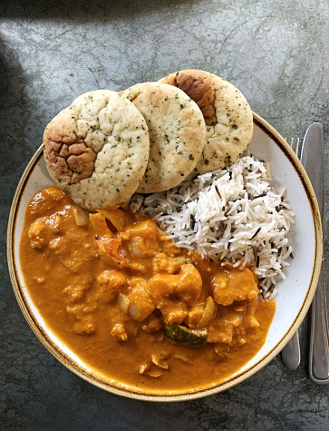 Indian Culture「Vegetarian Tikka Masala with dirty rice and naan bread」:スマホ壁紙(13)