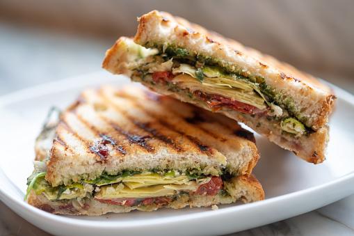 Arugula「Vegetarian Arugula, Artichoke, Sun Dried Tomato, Pesto, Feta Grilled Sandwich」:スマホ壁紙(8)
