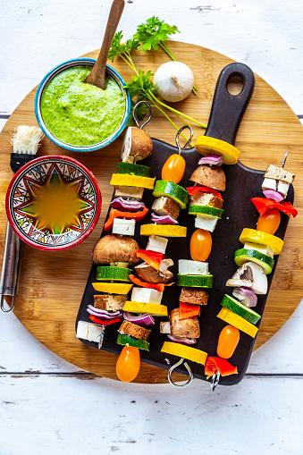 Chimichurri「Vegetarian grill skewers, tomato, yellow and green zucchini, tofu, feta, onion and champignon, Argentinian chimichurri」:スマホ壁紙(14)