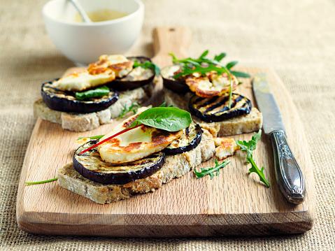 Sandwich「Vegetarian grilled aubergine open sandwich」:スマホ壁紙(9)