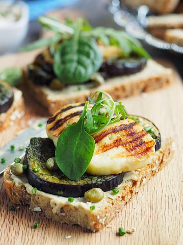 Arugula「Vegetarian grilled aubergine open sandwich」:スマホ壁紙(9)