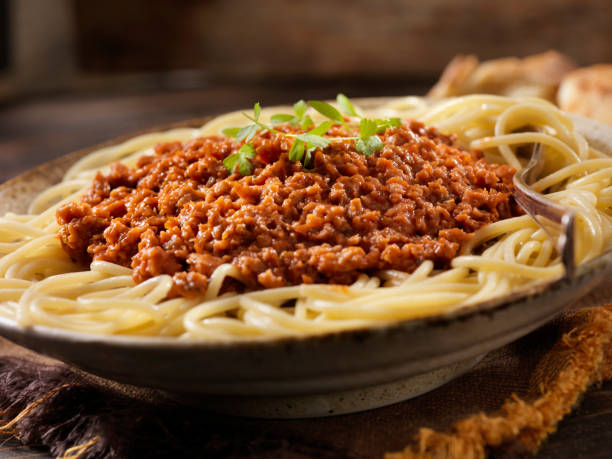 Vegetarian Spaghetti Bolognese with Plant Based Protein Meat Substitute:スマホ壁紙(壁紙.com)
