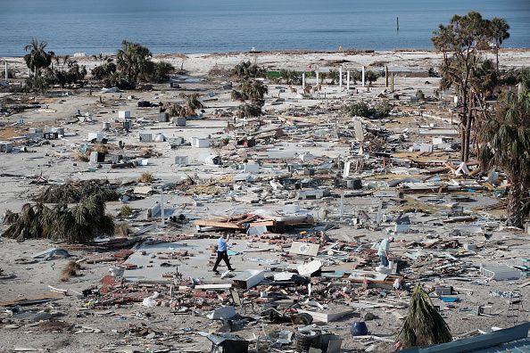 Beach「Recovery Efforts Continue In Hurricane-Ravaged Florida Panhandle」:写真・画像(12)[壁紙.com]