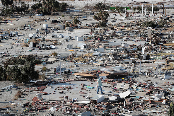 Scott Olson「Recovery Efforts Continue In Hurricane-Ravaged Florida Panhandle」:写真・画像(18)[壁紙.com]