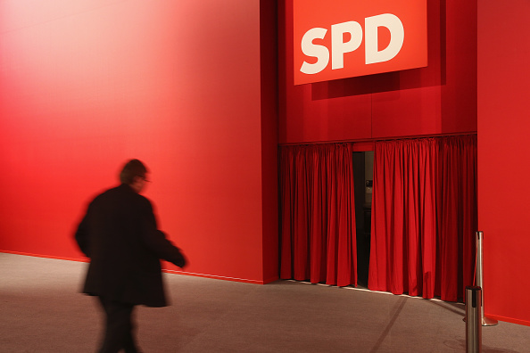 Curtain「German Social Democrats (SPD) Hold Federal Convention」:写真・画像(17)[壁紙.com]