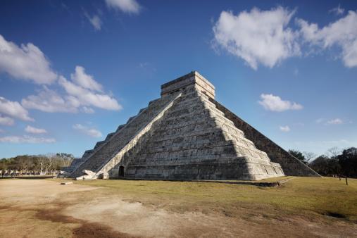 Pyramid Shape「Spring Equinox at Chichenitza pyramid」:スマホ壁紙(18)