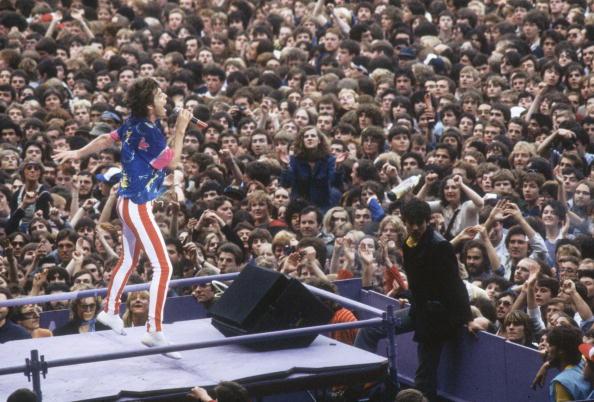 Stadium「Mick Sings」:写真・画像(4)[壁紙.com]